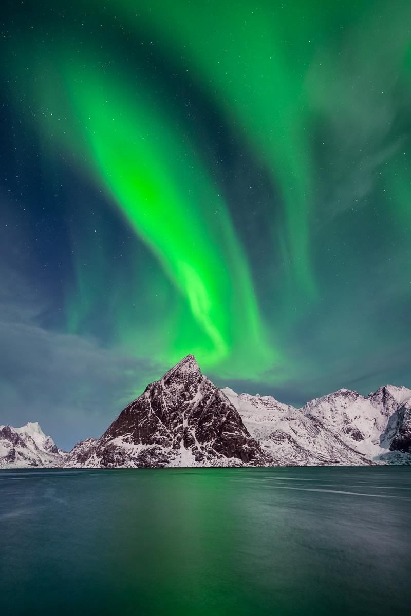 MAB-20190221-NORWAY-LOFOTEN-SAKRISOY-AURORA-8506969.jpg