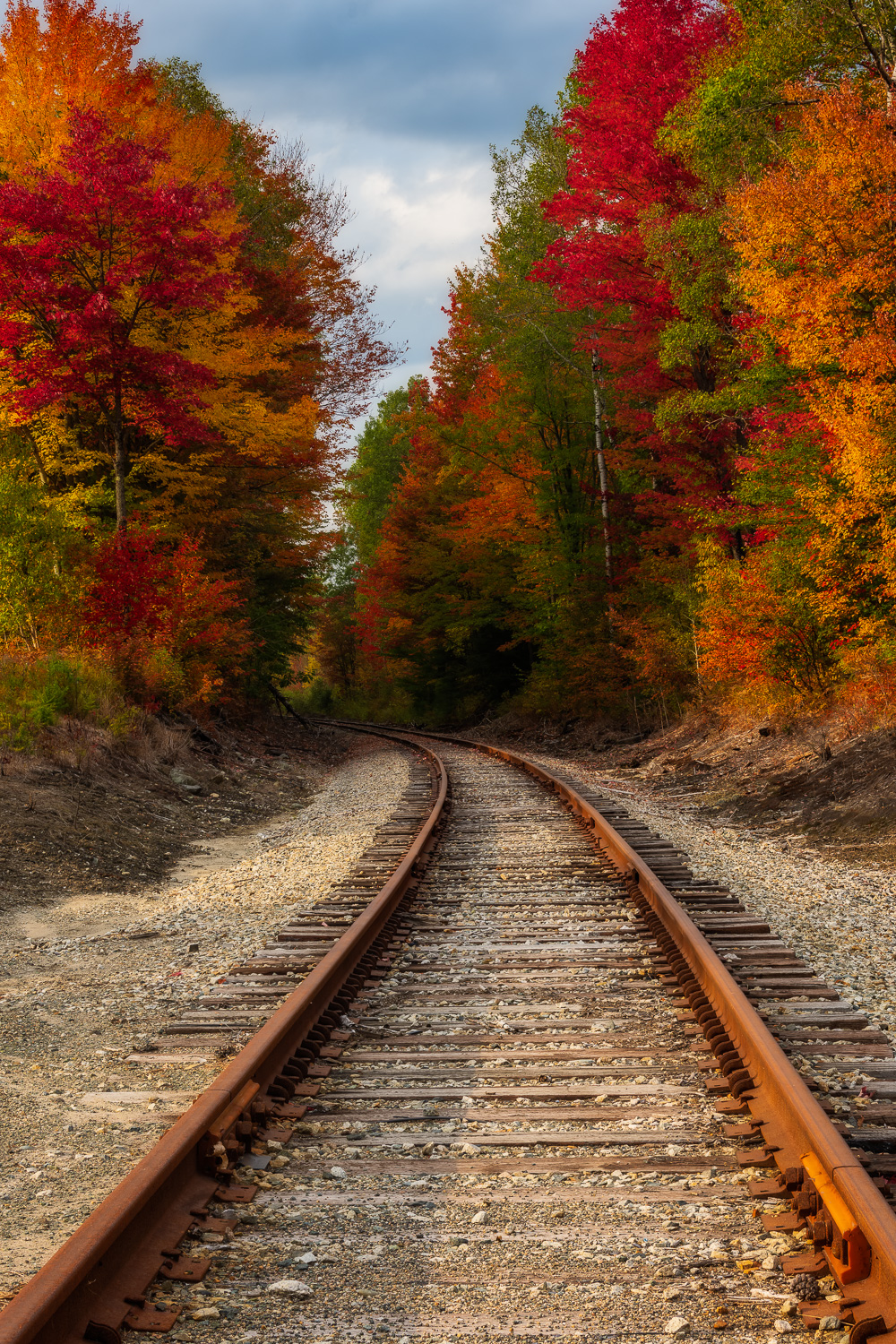 MAB-20200925-NH-JEFFERSON-RAILROAD-FALL-FOLIAGE-71126.jpg