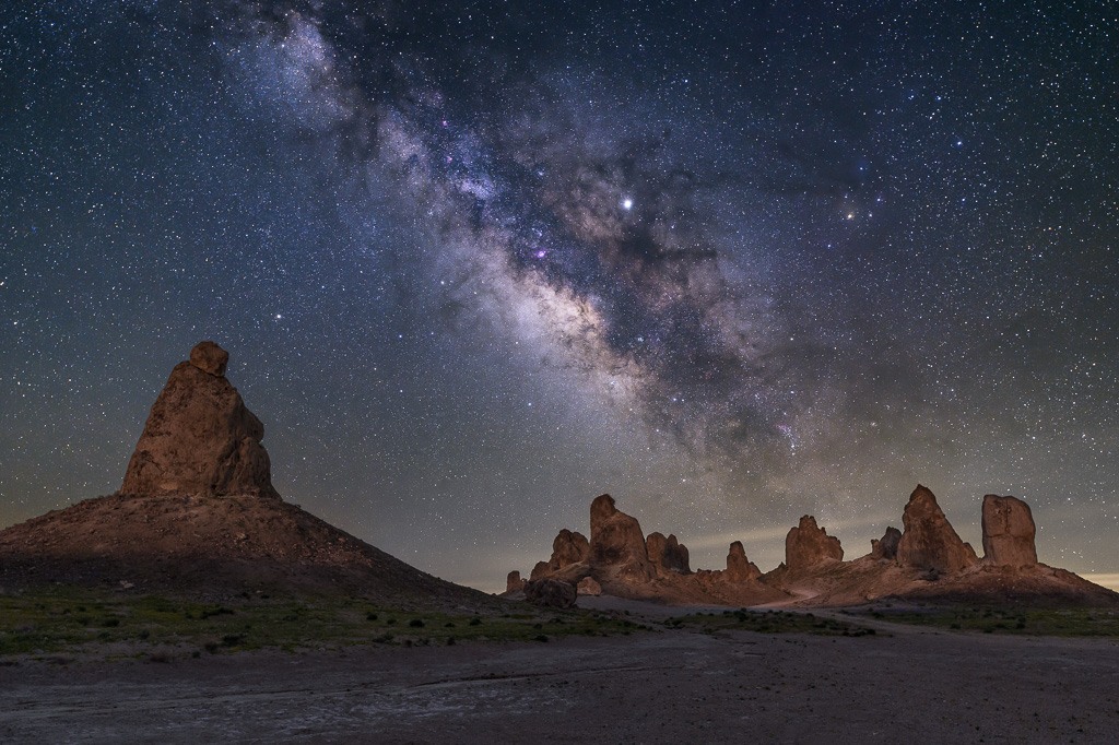 MAB-20190403-CA-TRONA-PINNACLES-MILKY-WAY.jpg