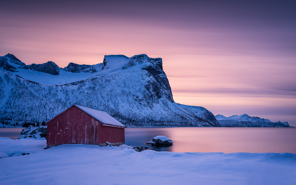 MAB-20200127-NORWAY-SENJA-WINTER-MOUNTAIN-SHACK-78233.jpg